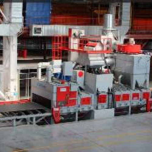 CONTINUOUS TRACK BLASTING MACHINES WITH HORIZONTAL ROLLER CONVEYOR